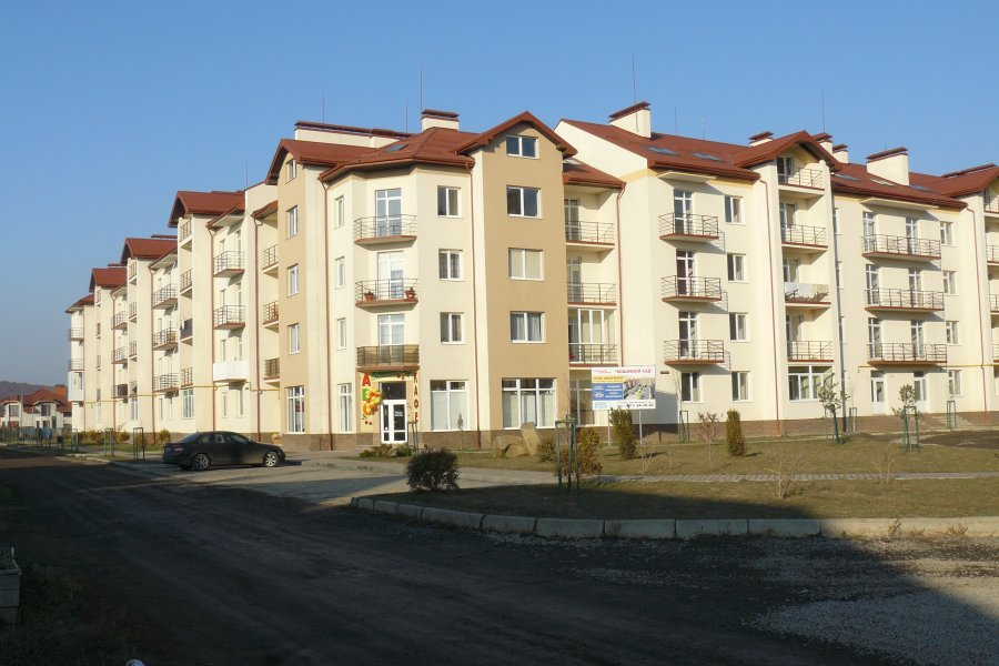 Apartment buildings and residential quarters